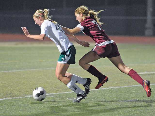 Prep girls soccer: Wrong place at wrong time for Cowboys