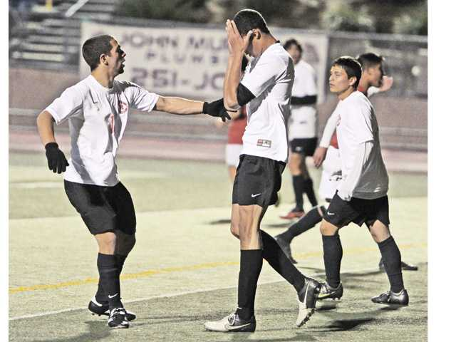 Prep boys soccer: Defensive mistakes doom Indians