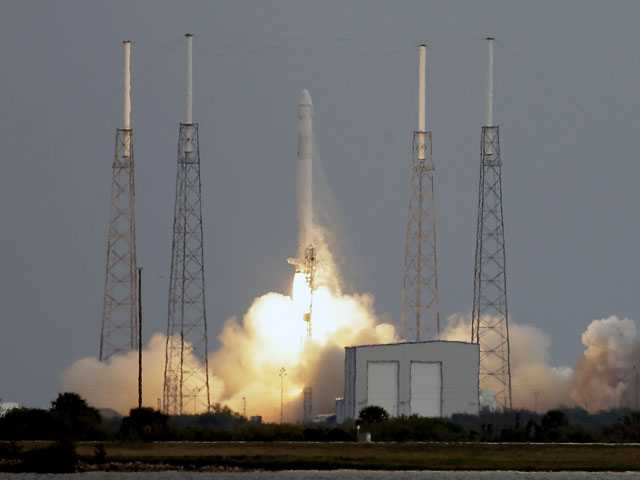 SpaceX rocket launched but problem with thrusters