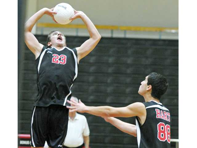 Hart High boys volleyball jumps out to early lead