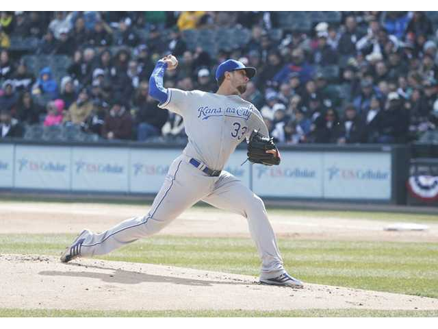 Kansas City Royals pitcher and Hart High alumnus James Shields (33) delivers a pitch against the Chicago White Sox on Monday in Chicago.