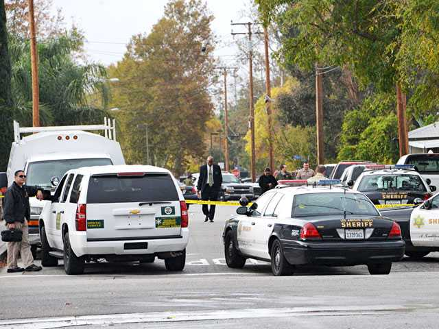 Santa Clarita Valley sheriff's deputies respond to a report of a stabbing death in Newhall on Dec. 2. Signal file photo by Rick McClure
