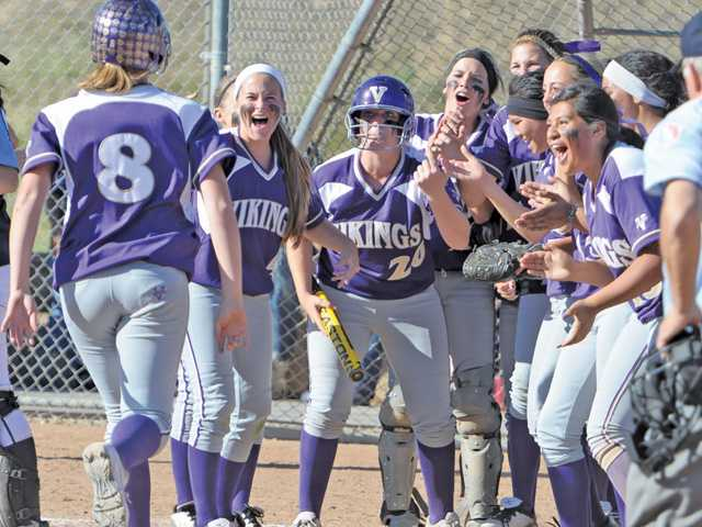 Valencia softball walks-off on 3-run HR by Nicole Joseph