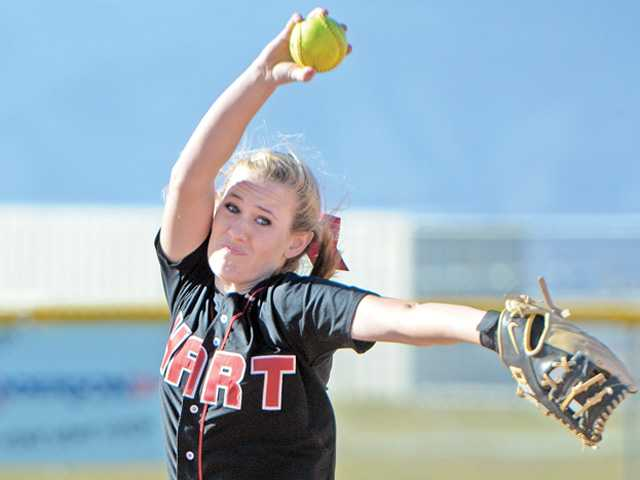 Hart High pitcher Kaitlyn Reed (22) pitches against Golden Valley at Golden Valley on Tuesday.