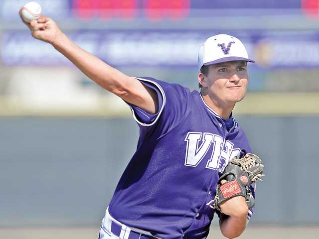 Valencia senior pitcher Luke Soroko delivers to Hart on Friday at Valencia High School. Photo by Jayne Kamin-Oncea.
