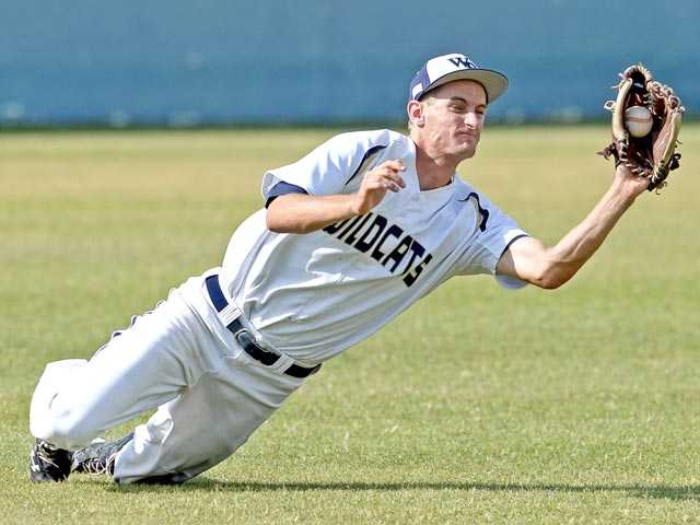 West Ranch's Jake Bird makes a catch off a line drive by Los Alamitos' Francesco Padulo in the fifth to end the inning.