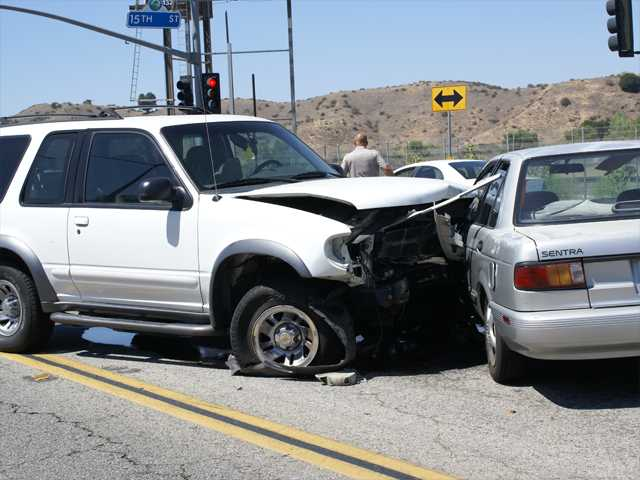 Four-car crash causes traffic delays in Newhall