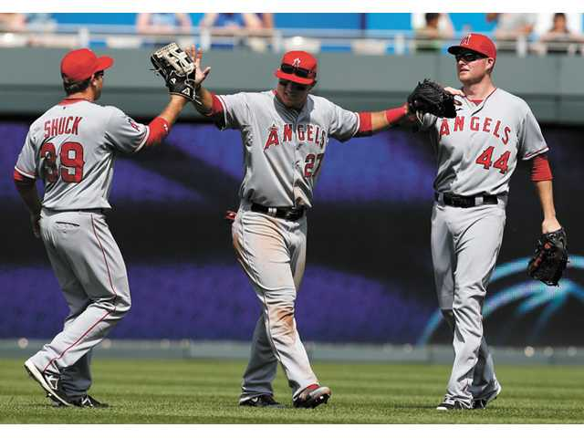 Angels roll to seventh straight victory