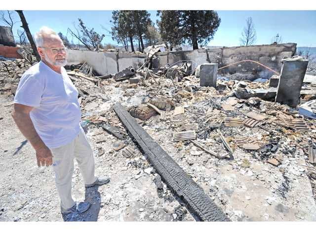 Lake Hughes residents stay resolute in face of Powerhouse Fire destruction