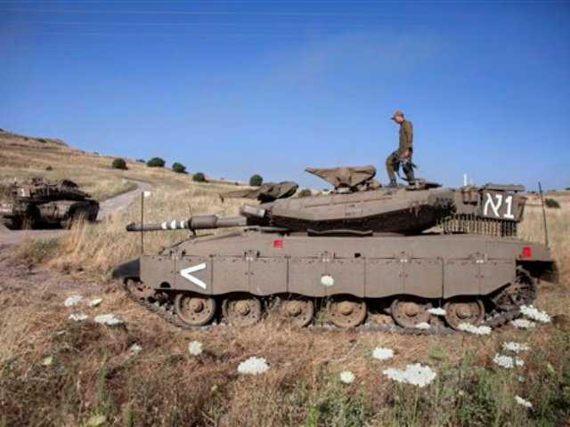 Syrian rebel offensive in Golan jolts Israel