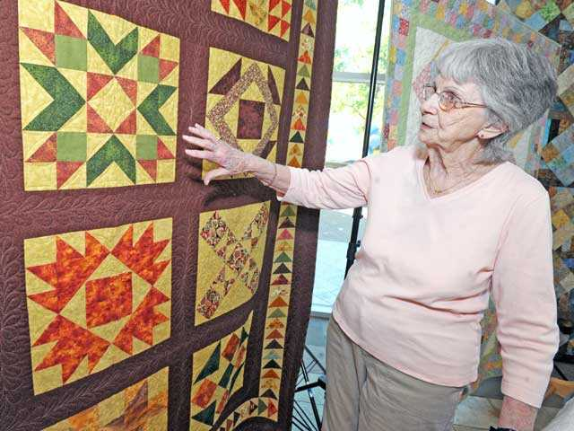"Ruth Grossnickle discusses her quilt, ""Autumn."""
