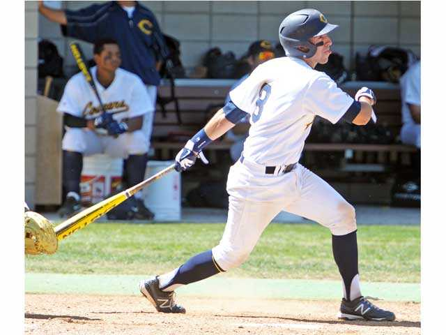 College of the Canyons catcher Alex Bishop won an award from an association that covers community college players in California, Oregon and Washington.