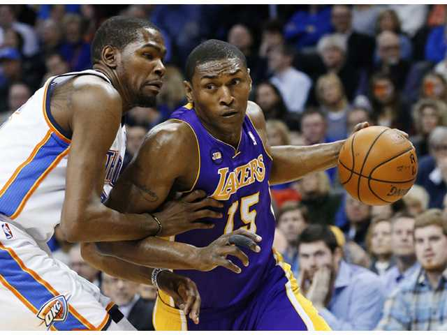 World Peace says he'll sign with Knicks