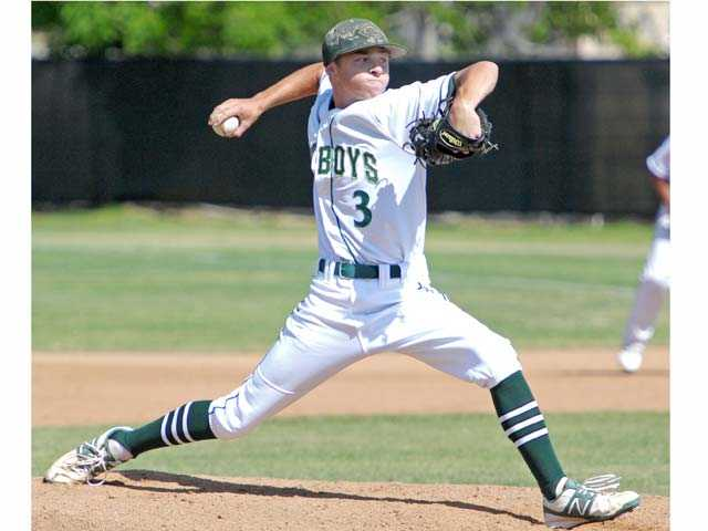 2013 Canyon graduate Max Weinstein will continue his baseball career under former College of the Canyons head coach Mike Gillespie at the University of California, Irvine.
