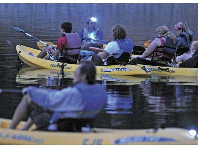 Castaic Lake offers moonlight kayaking