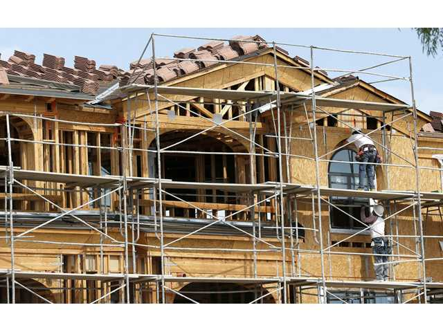 US builder confidence steady, rates a concern