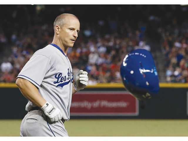 Goldschmidt, D-Backs deny Dodgers clincher 9-4