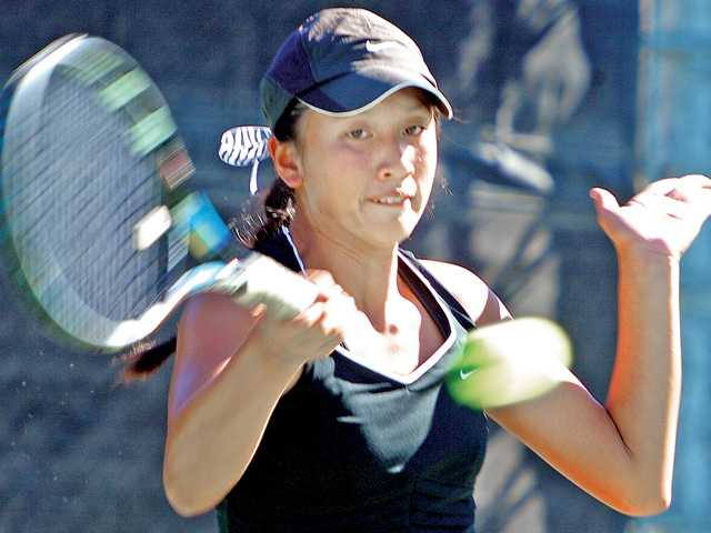 Foothill tennis roundup: Hart, Canyon win openers