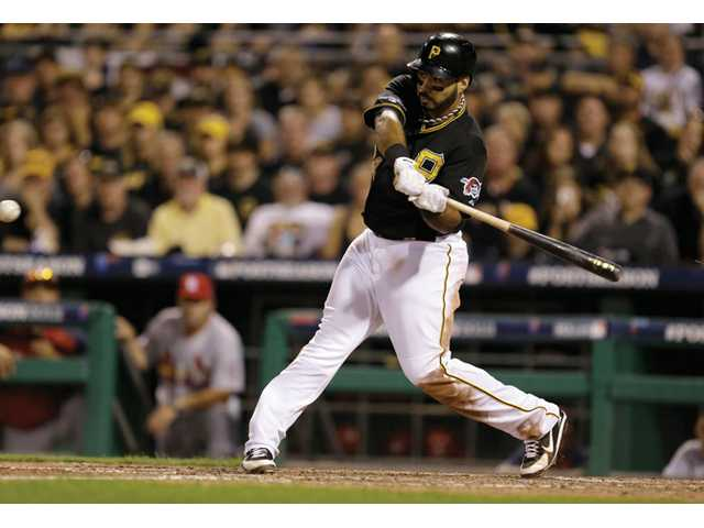 Pirates edge Cardinals 5-3, take 2-1 lead in NLDS