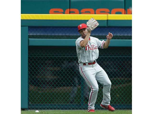 Philadelphia Phillies left fielder and hart grad Steve Susdorf plays in Detroit on July 28.
