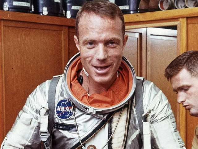 Astronaut Scott Carpenter, in a 1962 photo, was the second American to orbit the Earth and one of the last surviving original Mercury 7 astronauts. He died Thursday at age 88.