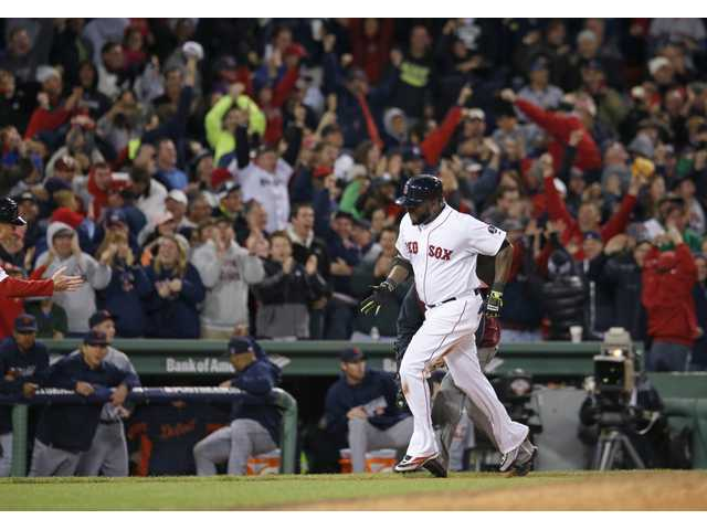 Ortiz, Red Sox sting Tigers to tie series