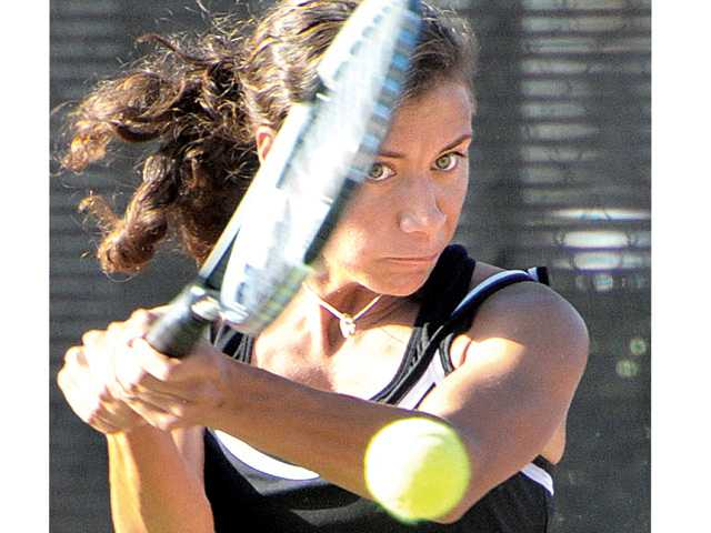 Hart wins outright tennis league crown