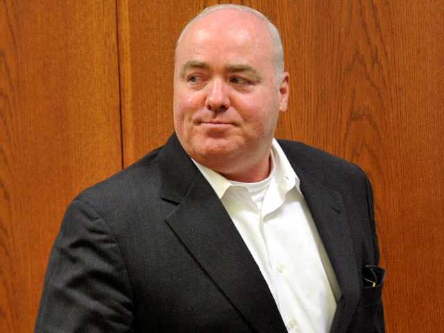 Kennedy cousin Skakel wins new trial in 1975 death