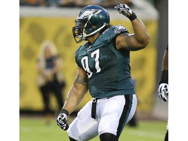 The Philadelphia Eagles sent Isaac Sopoaga, a 10th-year veteran nose tackle, to the New England Patriots on Tuesday.