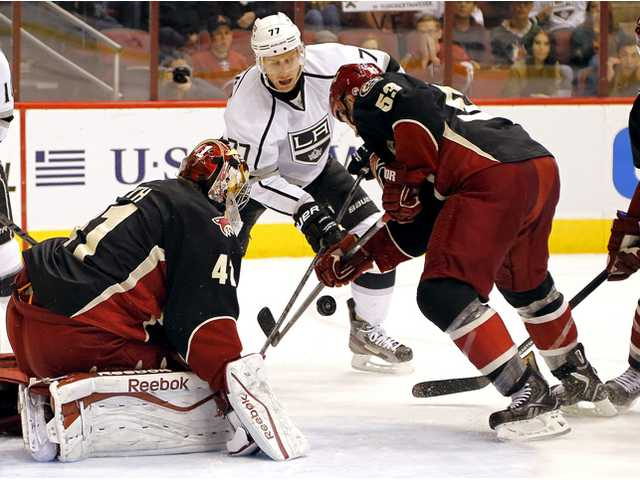 Smith, Coyotes beat Kings 3-1