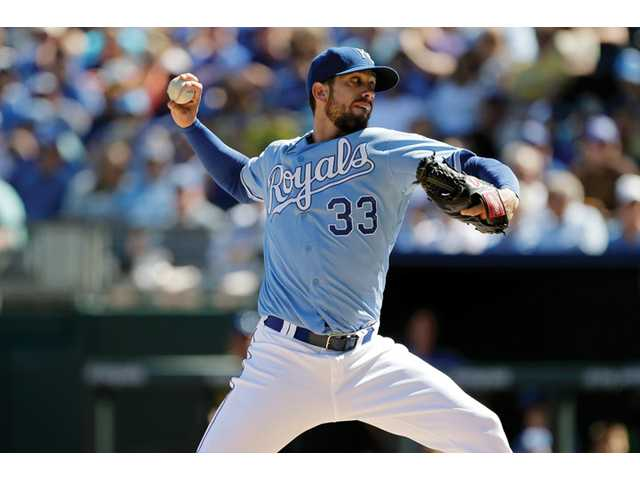 Kansas City Royals starting pitcher and Hart High James Shields will remain with the Royals for another year.