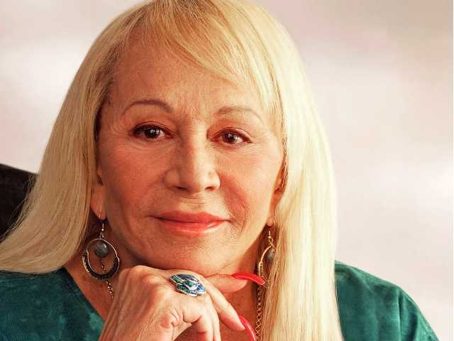 Psychic Sylvia Browne dies at 77 in California