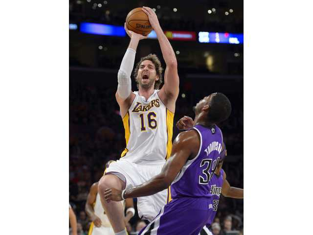Gasol leads Lakers to third straight win