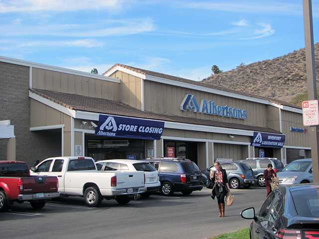Albertsons preparing to close its Canyon Country store. Ed Nicewicz/courtesy photo