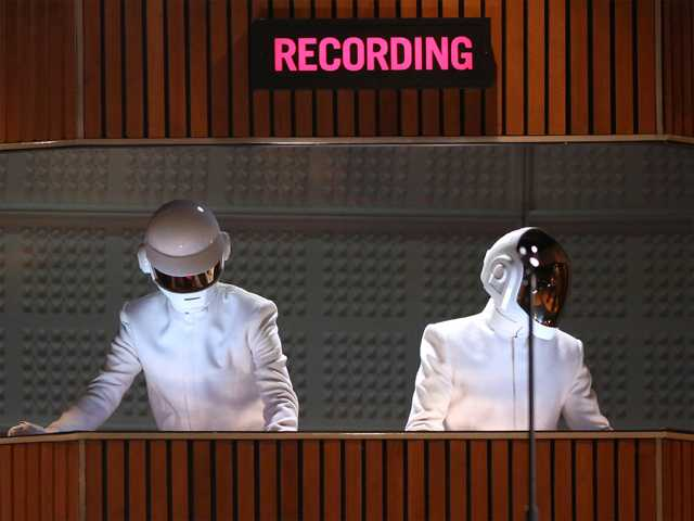 At Grammys, Daft Punk, Pharrell dominate with 4