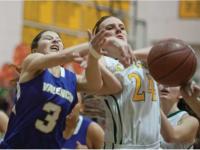 Valencia and Canyon girls basketball could end up splitting a league title for the second year in a row.