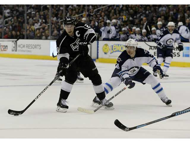 Kopitar leads streaking LA Kings past Winnipeg 4-2