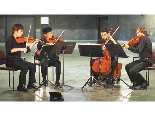 Santa Clarita musicians find the strings that bind