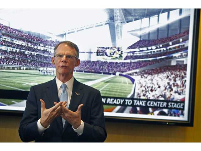 US Bank CEO Richard Davis talks about Minnesota's bid for the 2018 Super Bowl on Wednesday in Minneapolis.
