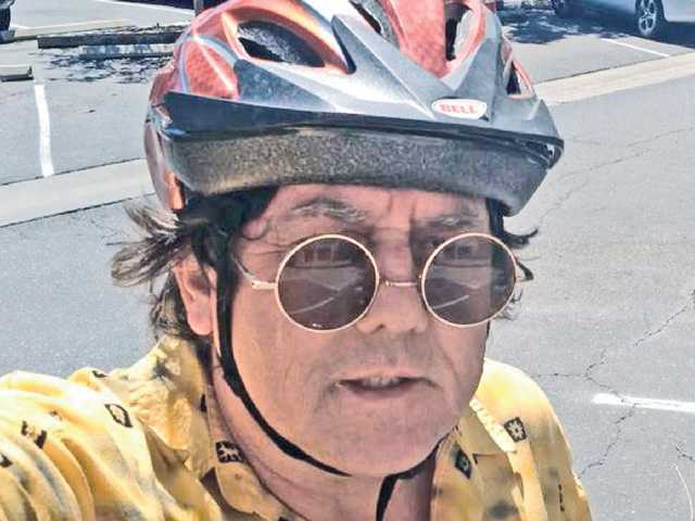 Signal reporter on his bike ride into work.