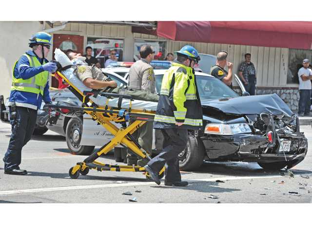 Five transported to the hospital after traffic collision in Santa Clarita