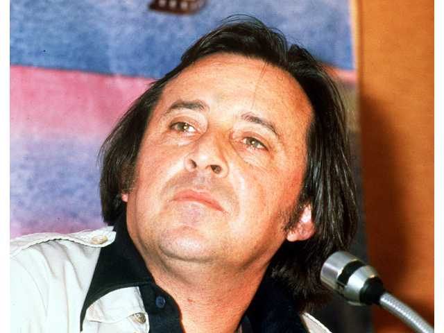 "This 1978 file photo shows American actor and film director Paul Mazursky. Mazursky, the writer-director of such films as ""Bob & Carol & Ted & Alice"" and ""An Unmarried Woman,"" died of pulmonary cardiac arrest Monday, June 30, 2014, at Cedars-Sinai Medical Center in Los Angeles.. He was 84. (AP Photo/File)"