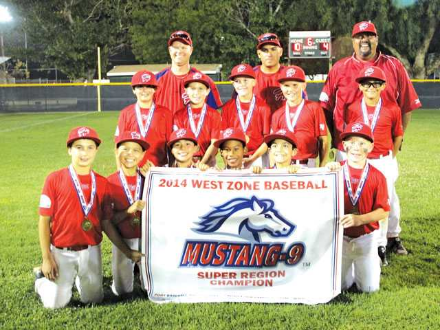 The Hart Mustang 9U Red Team after the Mustang 9U Super Regions Tournament. Sydney Schwartz/Courtesy photo
