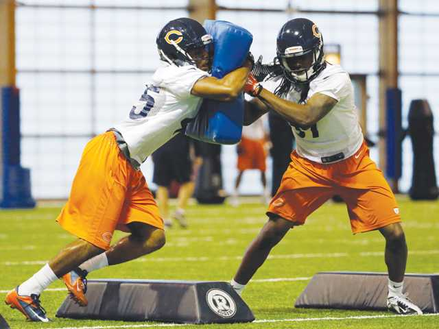 Former Valencia player and current Chicago Bears safety Brock Vereen, left, has reportedly been working with the starting defense.