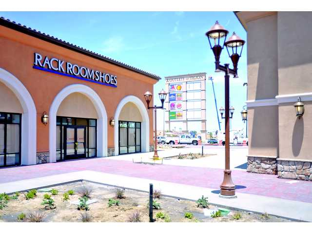 Outlets at Tejon Ranch open Thursday