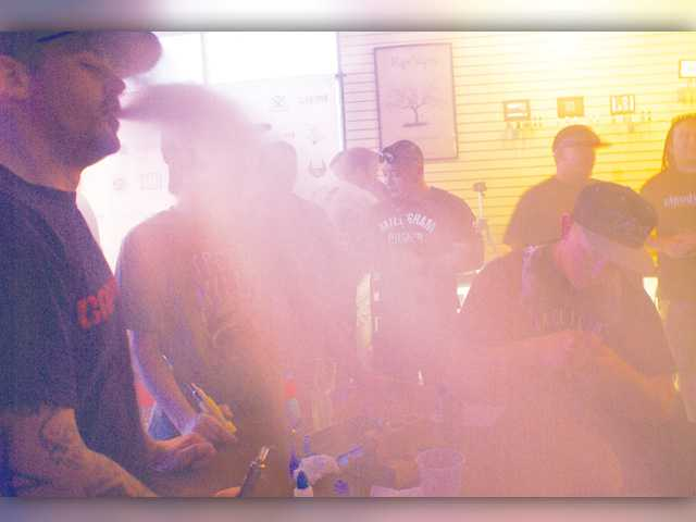 'Vapers' rally at SCV shop