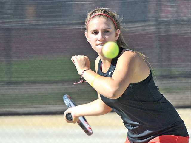 Foothill League tennis roundup: Hart, Valencia start with wins