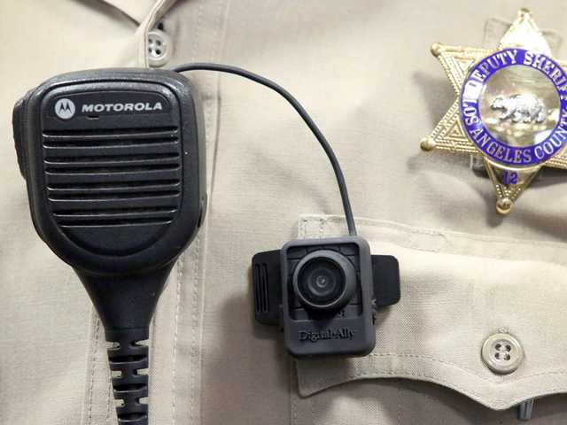 Sheriff's deputies testing body cameras