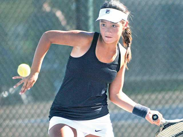 Foothill tennis roundup: Top teams continue to roll
