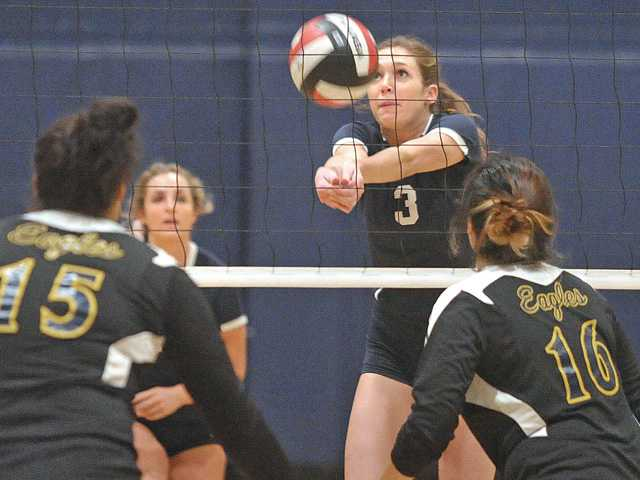 TMC women's volleyball beat La Sierra University 3-0